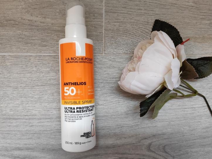 crema-solar-Anthelios-spray